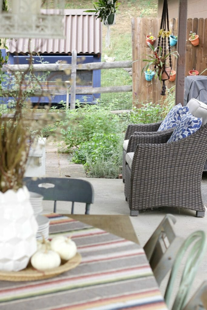 eclectic-fall-porch