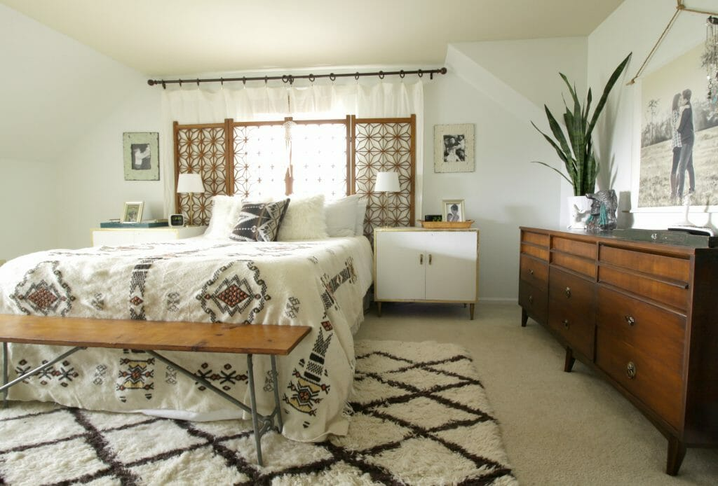 eclectic-vintage-boho-bedroom-white-wood