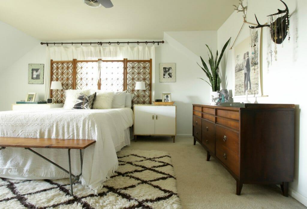 modern-bohemian-bedroom-white-wood