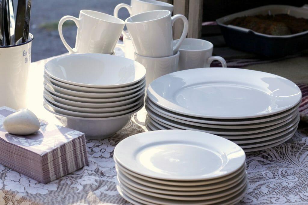 plates-vintage-lace-porch-brunch