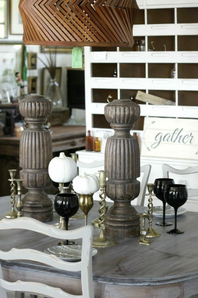 rustic-fall-tablescape-brass-candlesticks