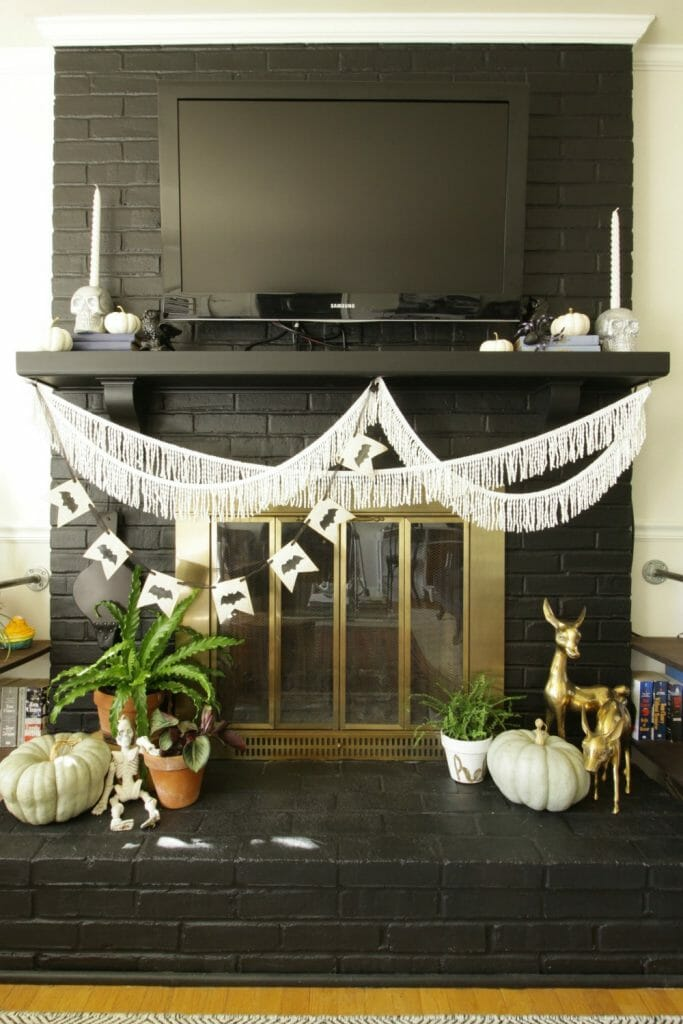 Black and white halloween mantle