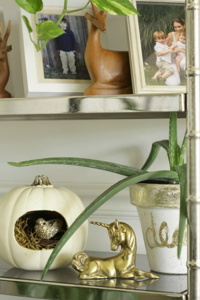 nest-pumpkin-white-gold-halloween-decor