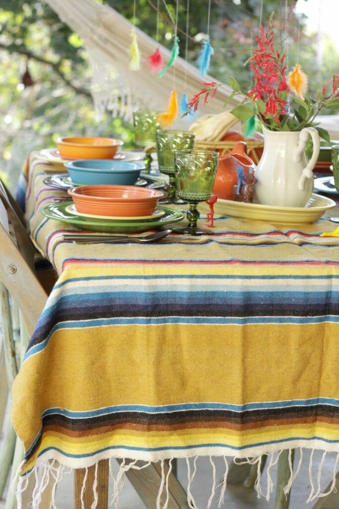 serape-tablecloth-colorful-tablescape