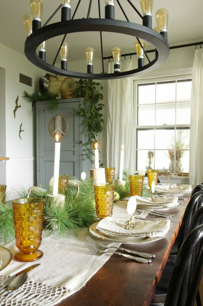 Easy Affordable Rustic and Natural Christmas Tablescape