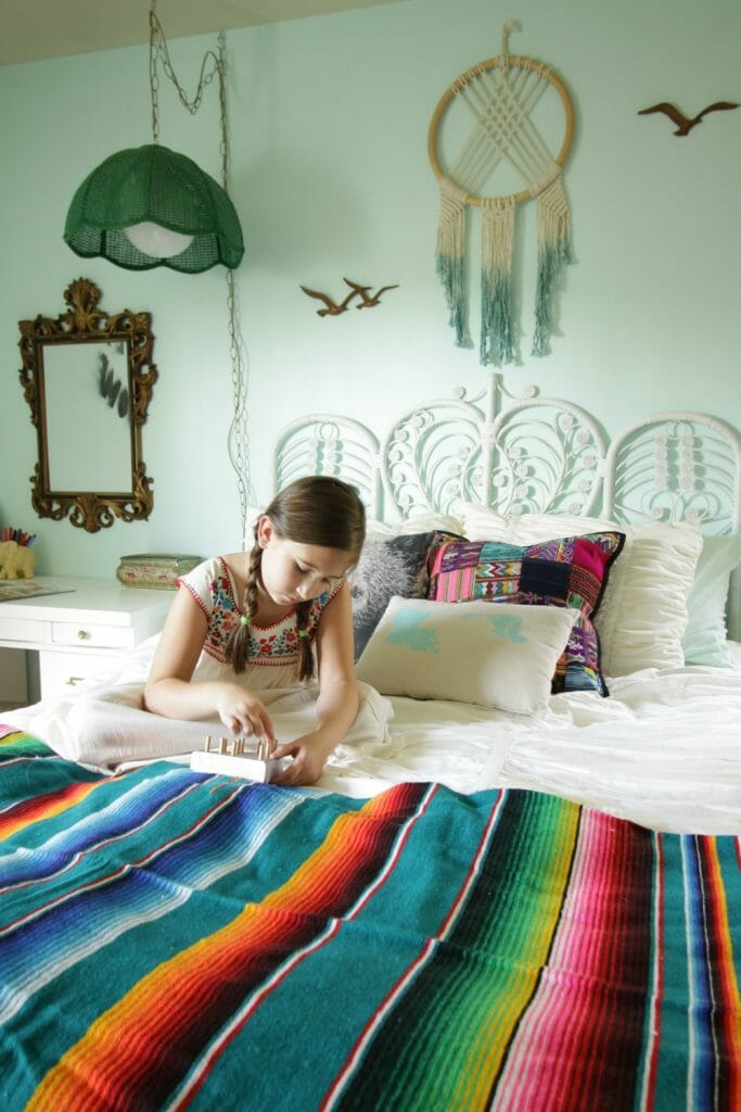mexican-bohemian-girls-bedroom-vintage-touches