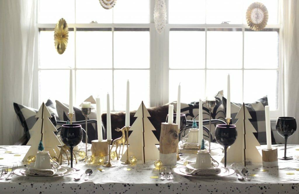 black-gold-white-wood-christmas-table