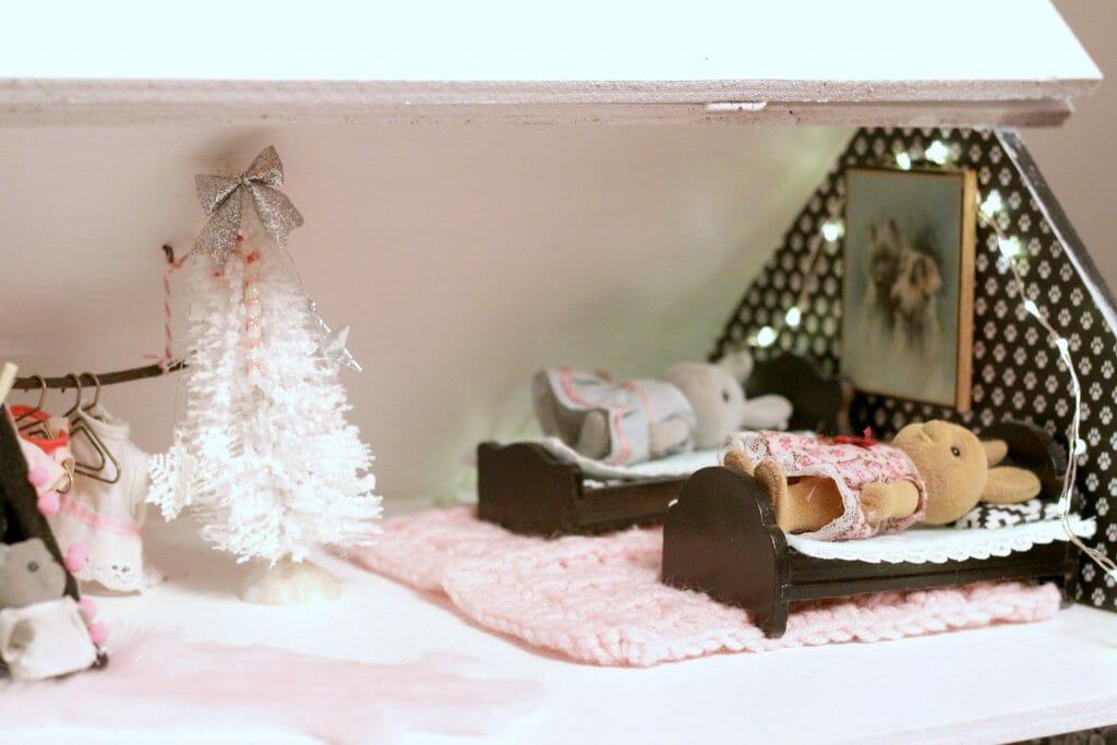 Dollhouse girls' room at christmas