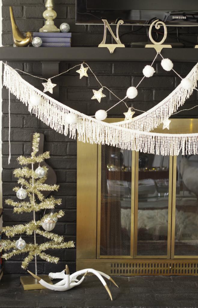 christmas-mantle-hearth-decor