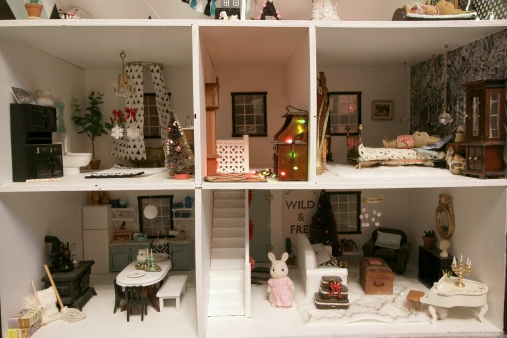 Dollhouse at Christmas time