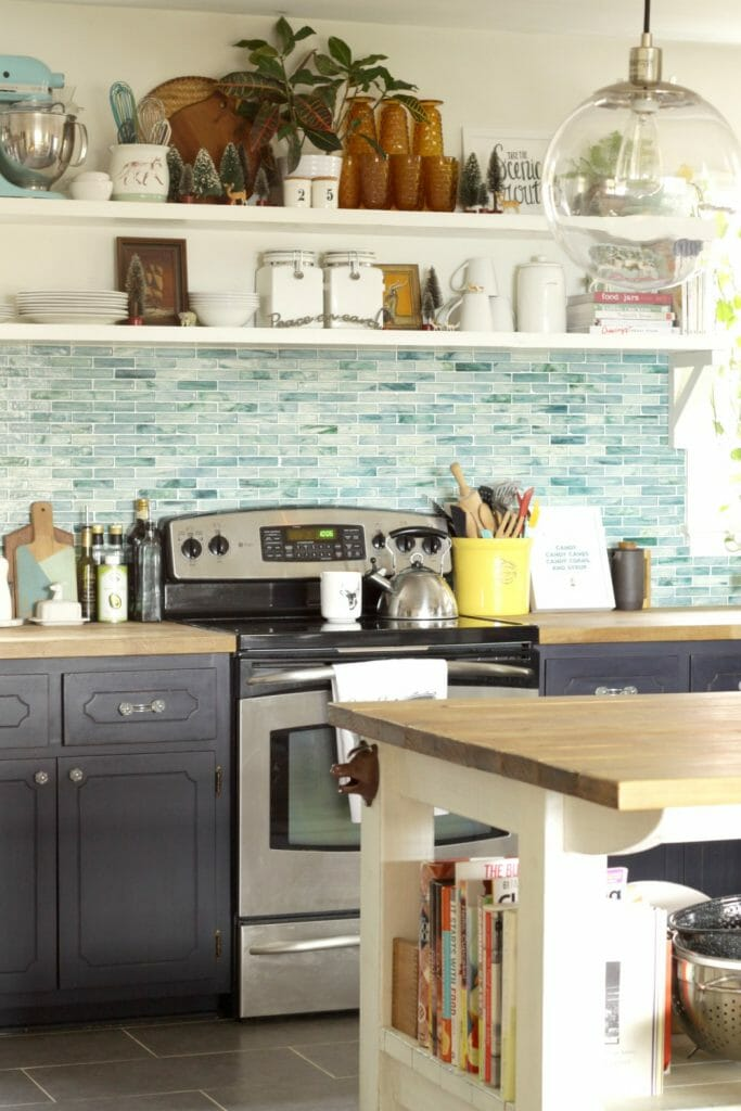 Vintage-Eclectic-Christmas-Kitchen