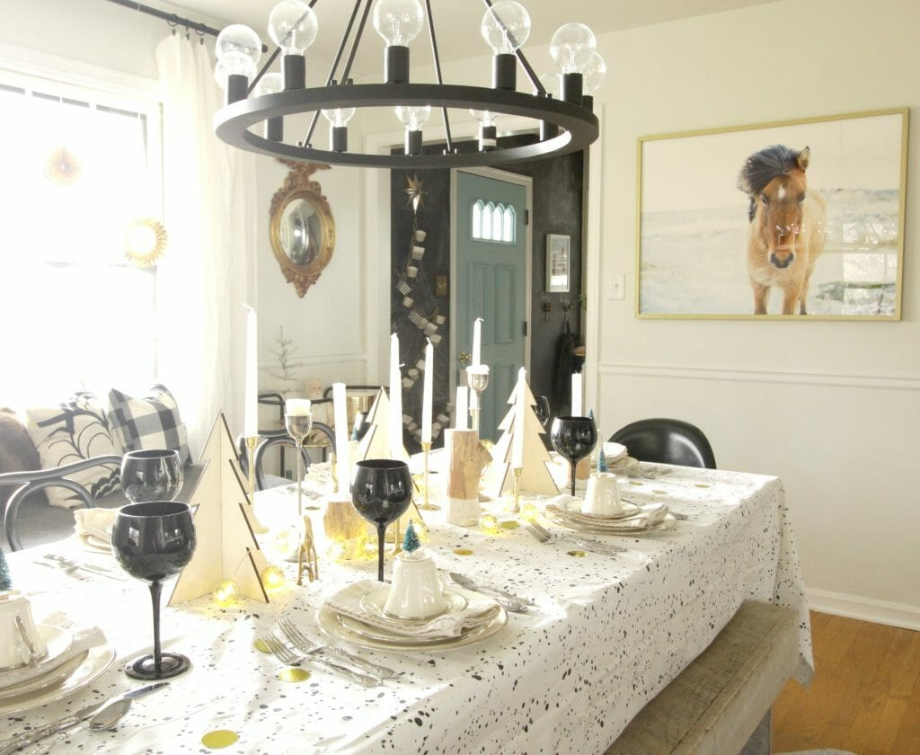 modern-black-white-gold-dining-room-holiday