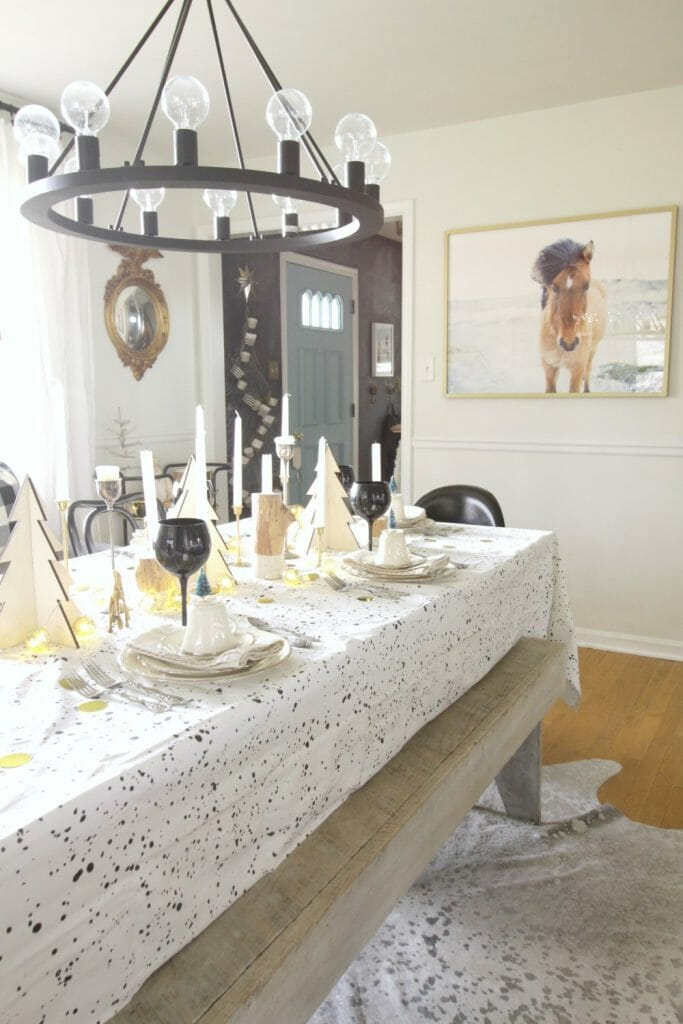 modern-rustic-dining-room-christmas-table