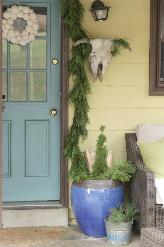 vintage-boho-christmas-porch-entry