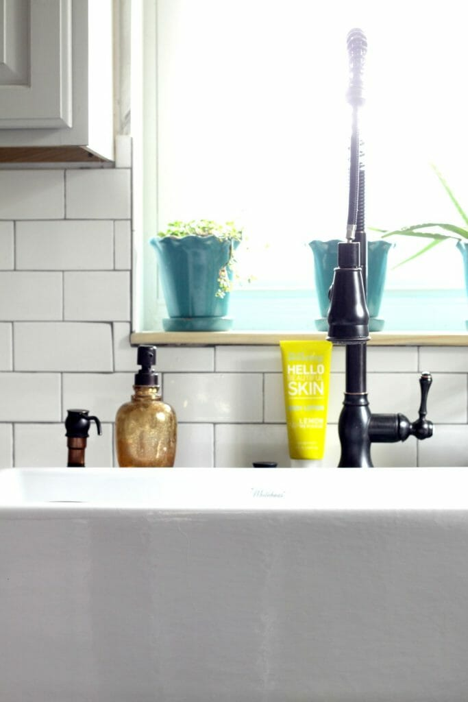 Enamel Farmhouse Sink with Thrifty Faucet