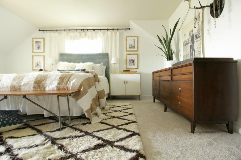 Stain Resistant Wall to wall carpeting in neutral bedroom