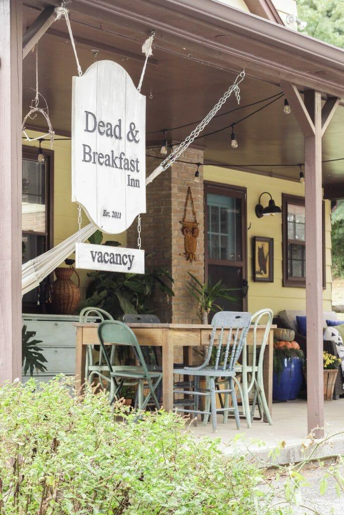 dead & Breakfast Halloween sign