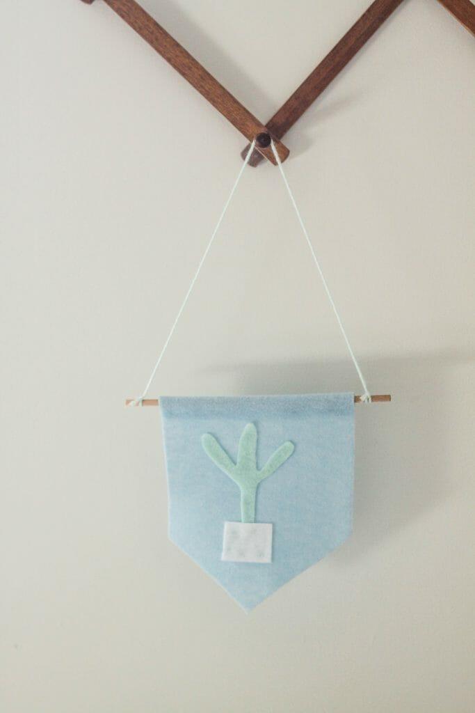 Easy Kid craft- felt flags