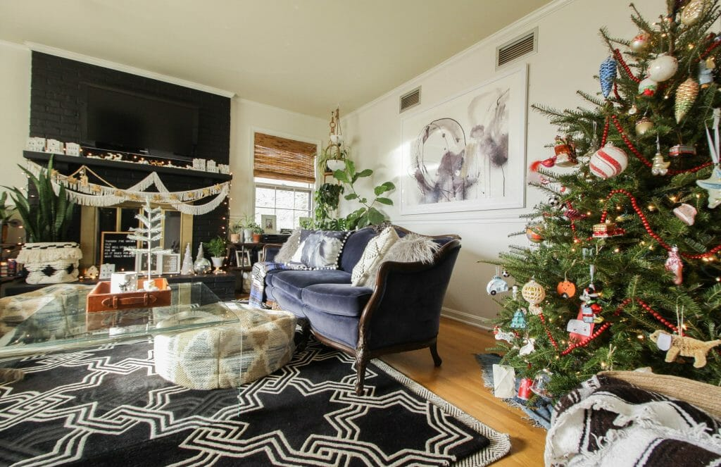 Vintage Inspired Living Room at Christmas