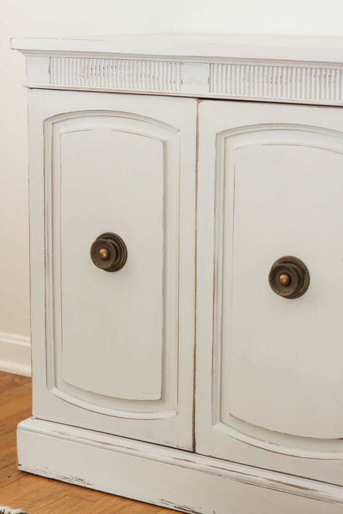 Using original hardware when painting furniture