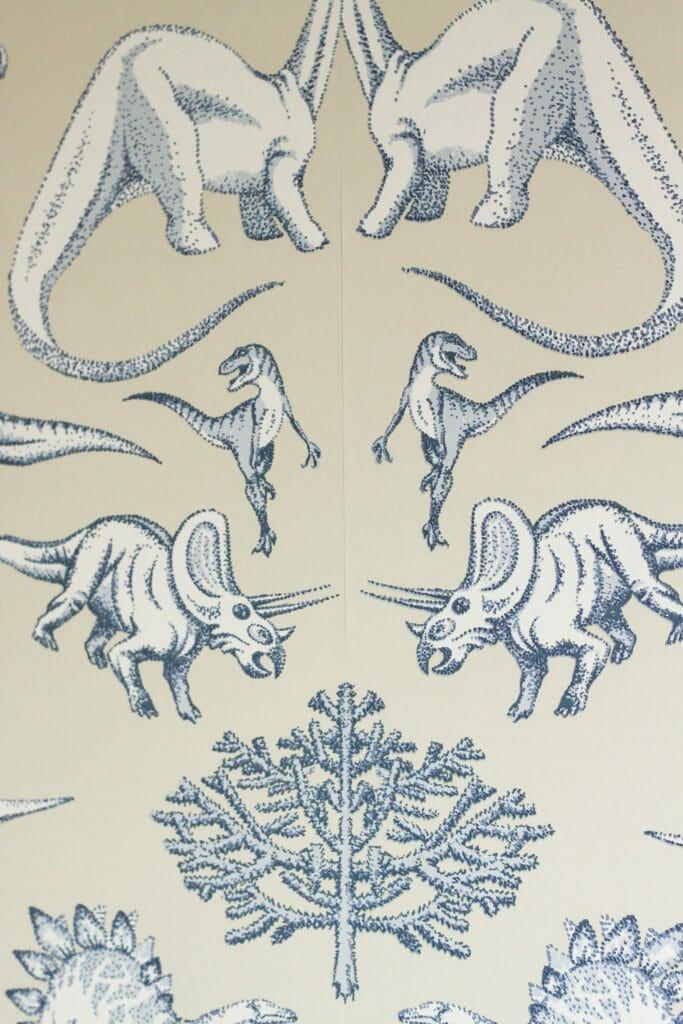lining up wallpaper pattern