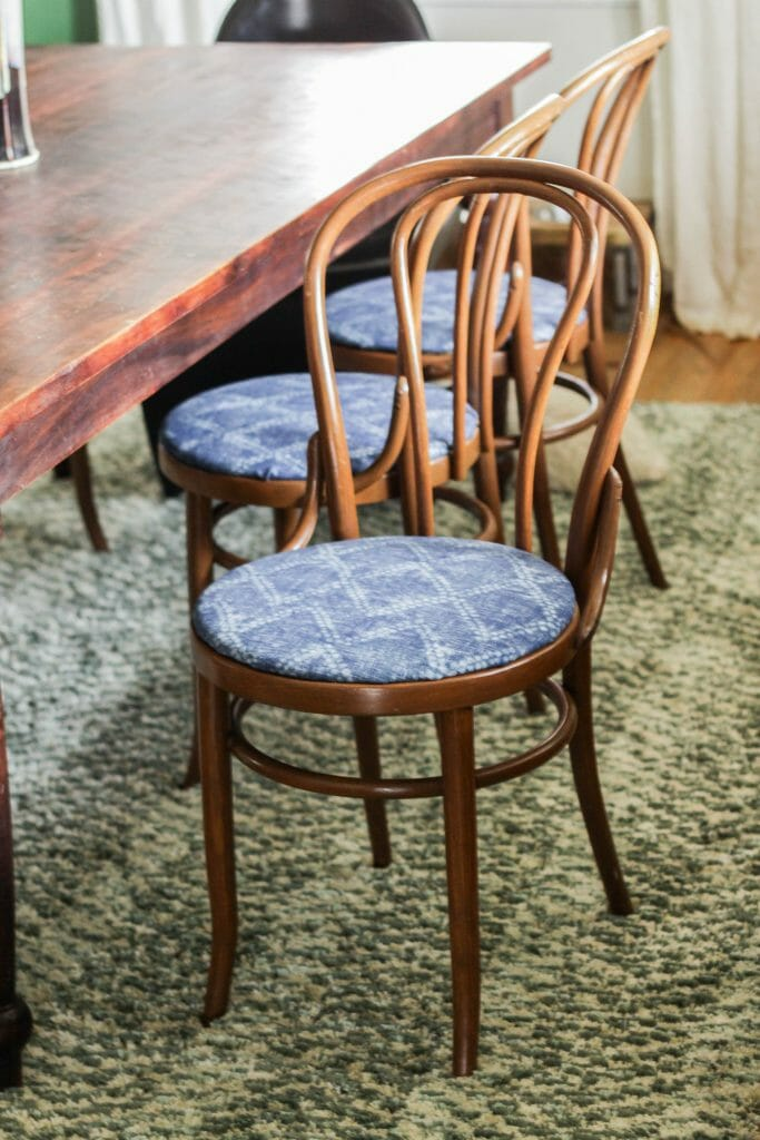 How to recover round chair seats