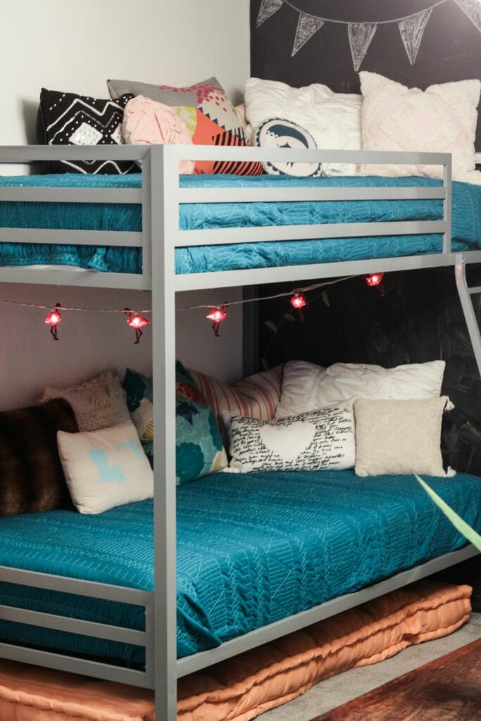Teal Quilts on bunk beds