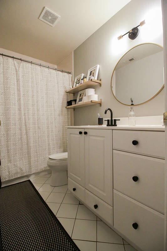 Modern Farmhouse Neutral bathroom