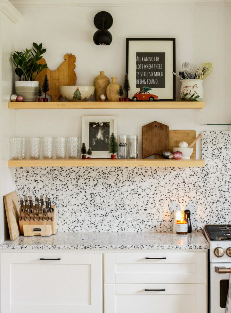 modern kitchen christmas shelfie