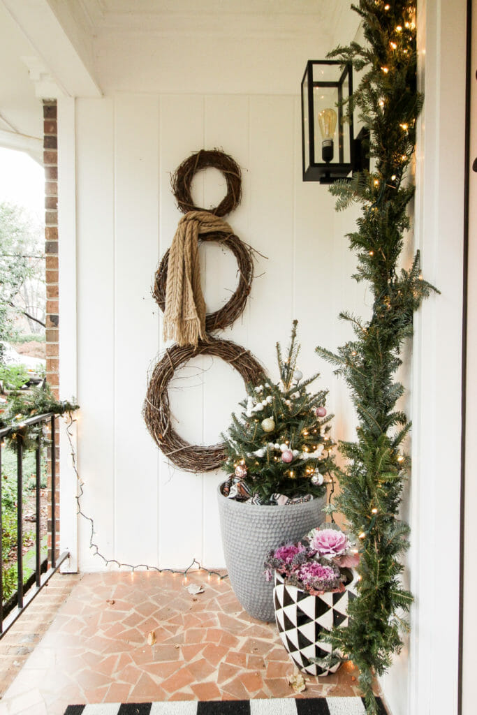 simple DIY snowman wreath