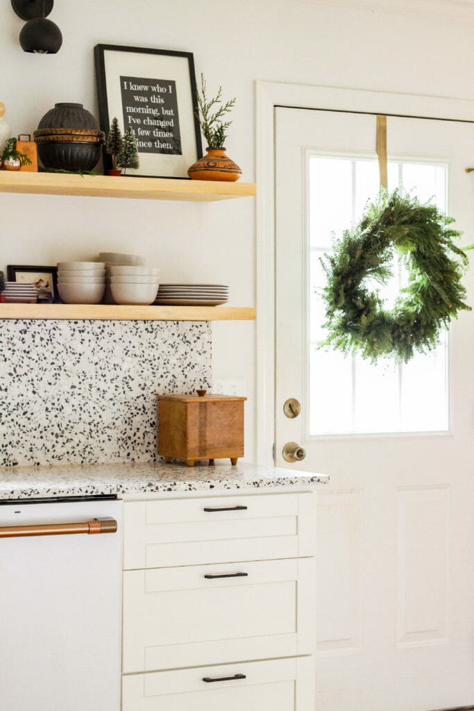 kitchen door wreath