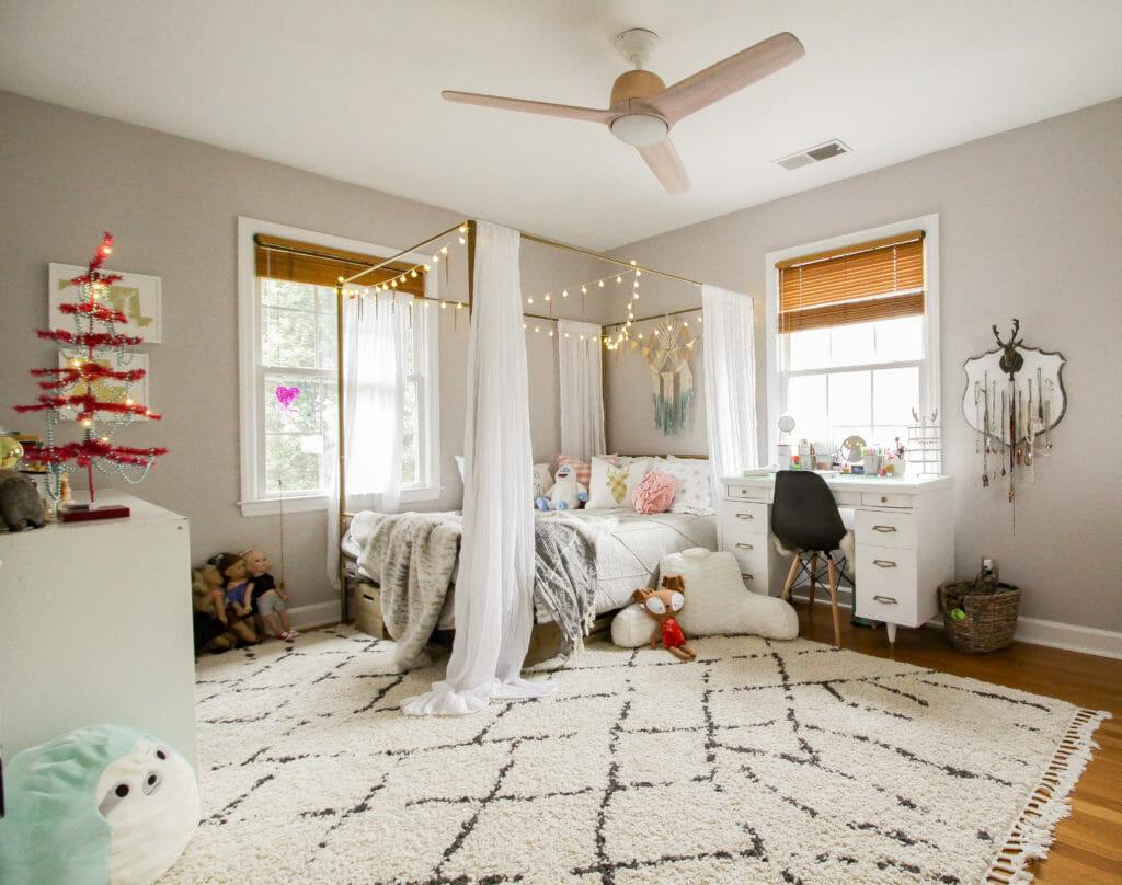 teen girl whimsical bedroom
