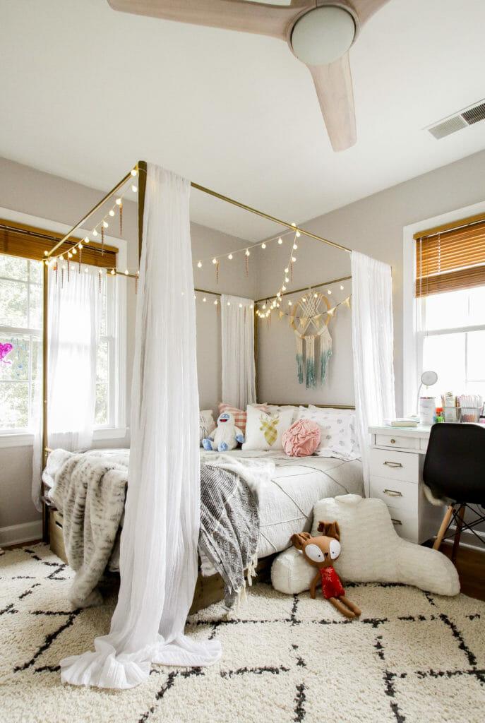 Teen Girl's Christmas Bedroom
