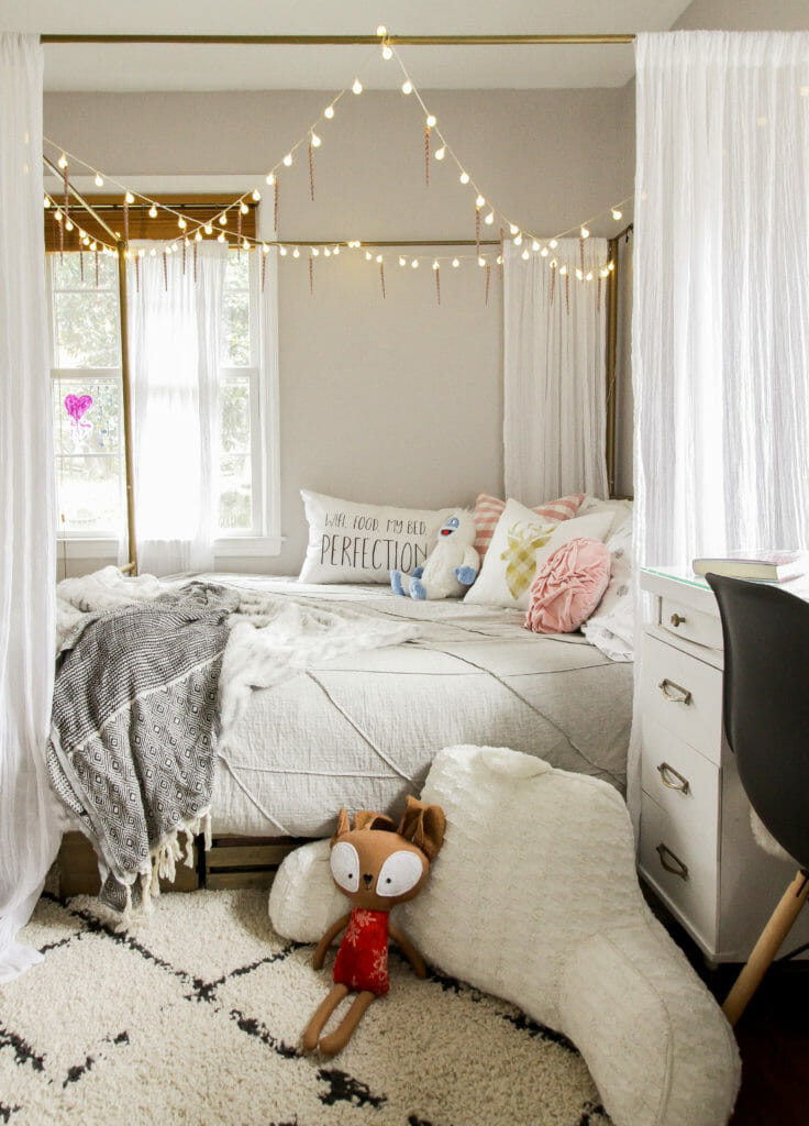 Teen Girl Christmas Bedroom Decor