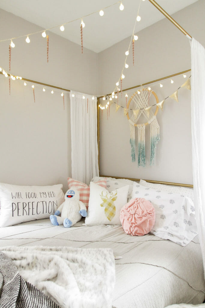 Teen Girl Bedroom with Icicles