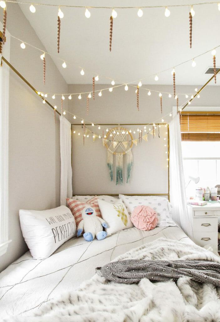 Teen Girl Bedroom at Christmas