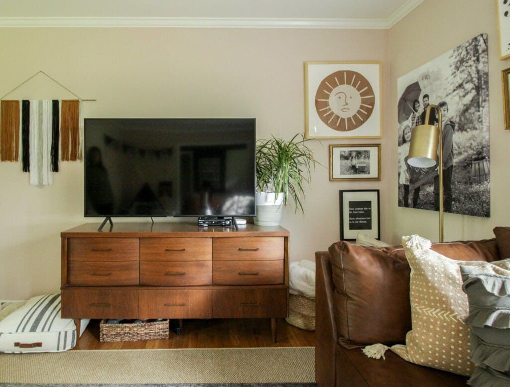 Eclectic pink and brown modern boho living room
