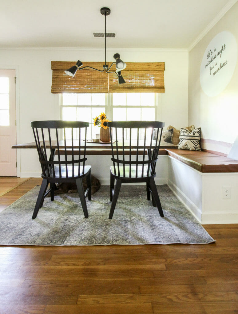 Dining room nook with banquette