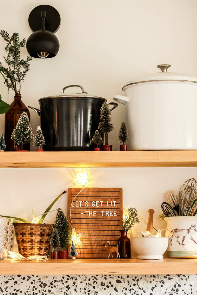 christmas shelfie in kitchen
