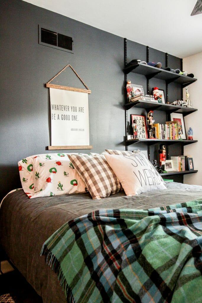 teen boy christmas bedroom