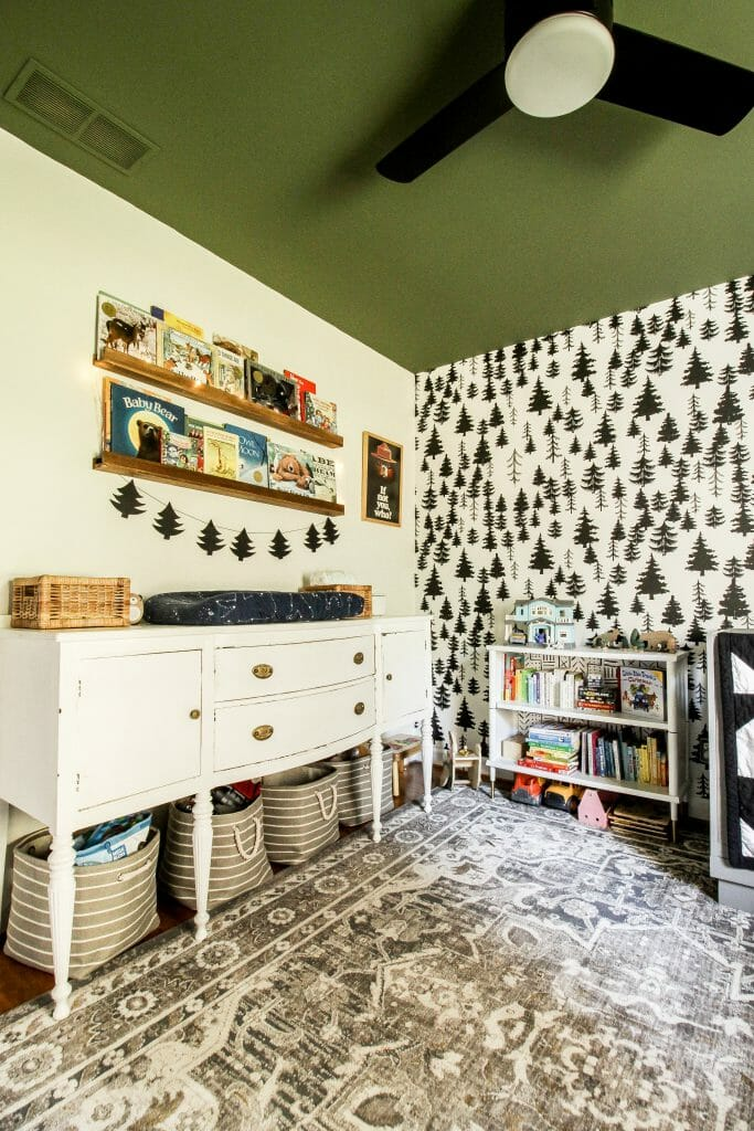 toddler bedroom at christmas
