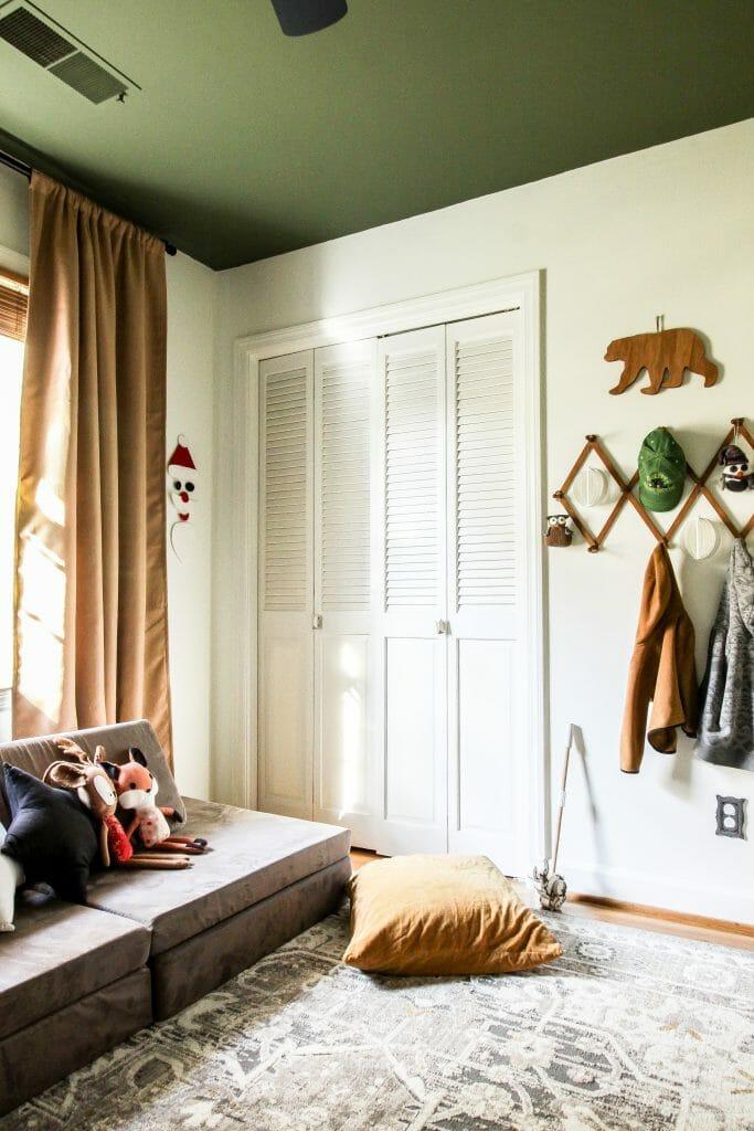 toddler christmas bedroom