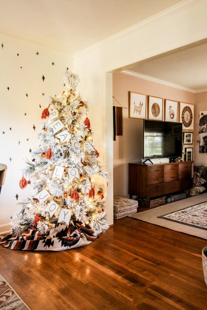 modern boho christmas decor
