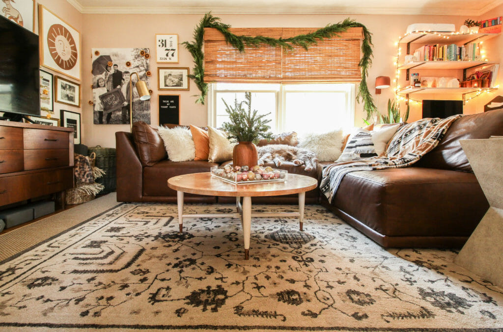 small living room christmas