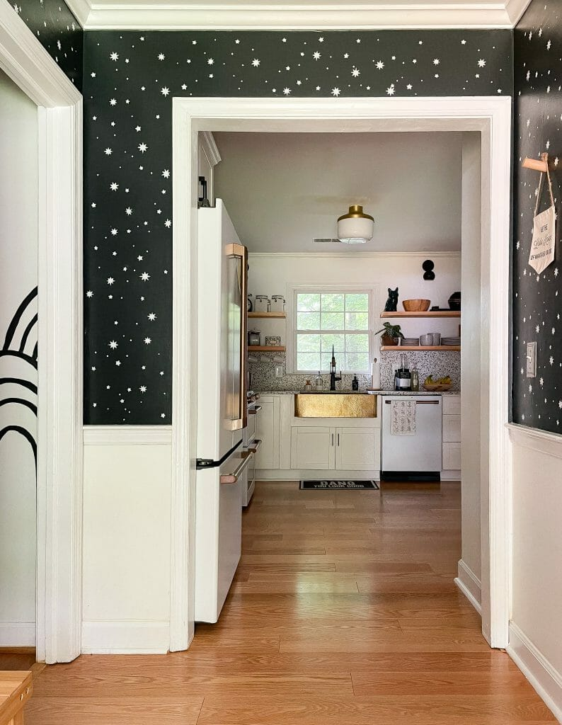 black and white patterned walls