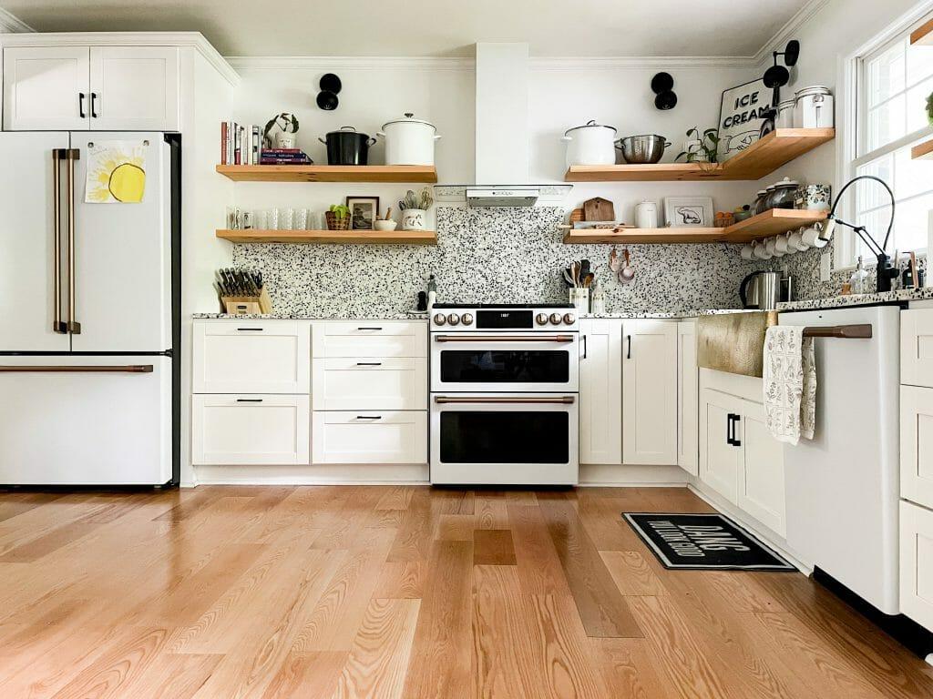White and gold modern kitchen