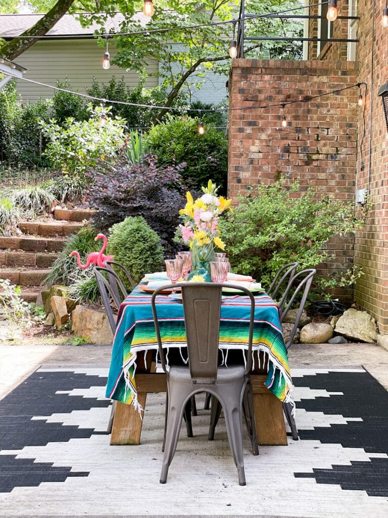 patio dining- colorful table