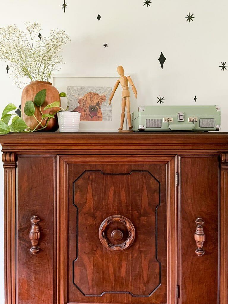 vintage cabinet styling