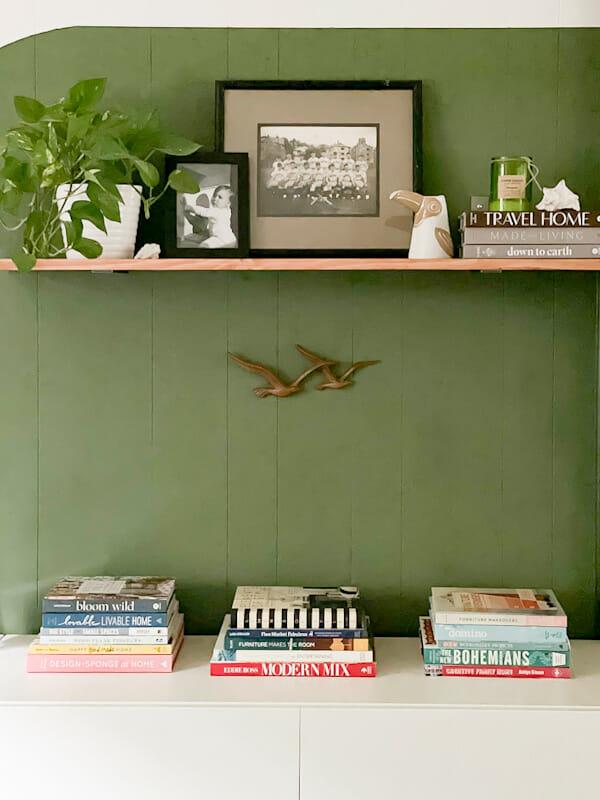 summer shelf styling